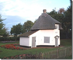 dutch cottage canvey island