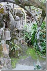 Crazy_House_09 courtyard