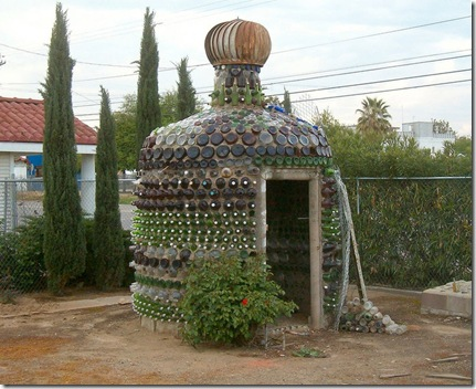 bottle house in sultana ca by Matt (mister goletas) flickr